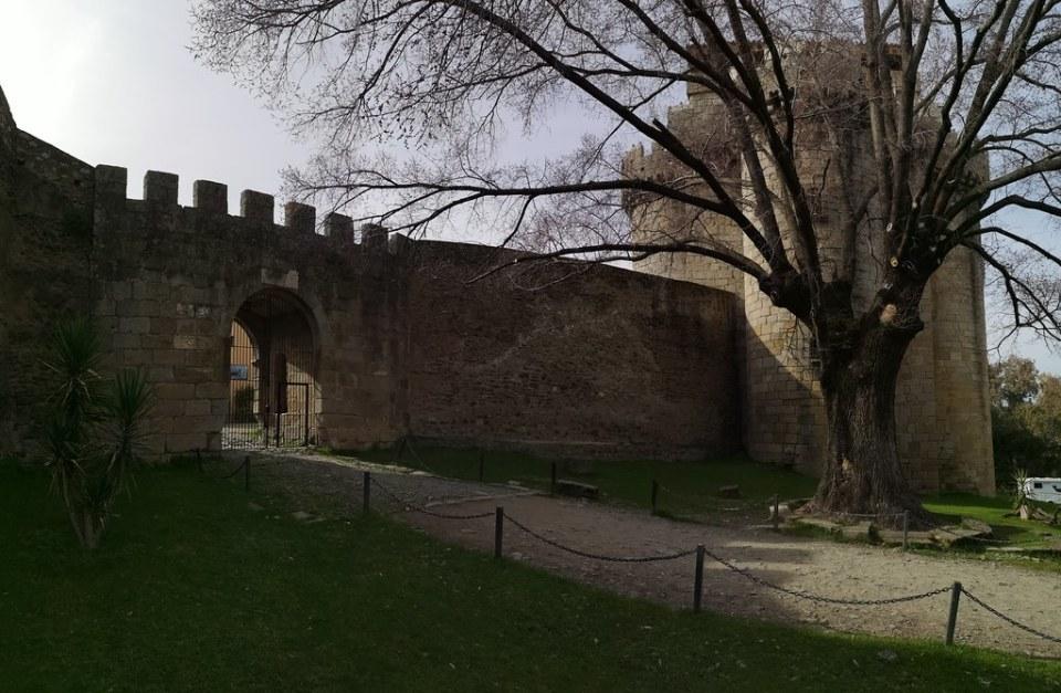 Muralla de Castillo de Granadilla Caceres 02