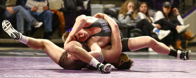 184: Trevor Turriff  (MSU) wins a 6-5 decision vs Griffin Osing (SMSU) | 22-9 MSU - 190125mke-0092