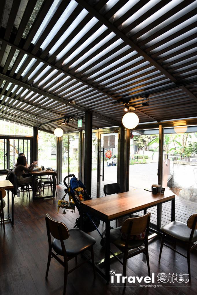 台中咖啡廳推薦 幸卉文學咖啡 (22)