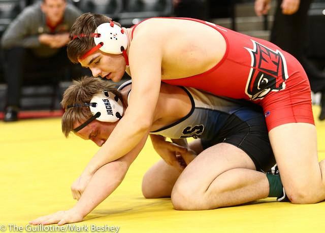 195 - Semifinal - Lincoln Shinn (Willmar) 34-1 won by decision over Peter Moen (Bemidji) 36-10 (Dec 4-1) - 190302amk0166