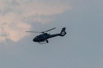 ......vloog onze piloot nog steeds zijn achtjes boven de watervallen.