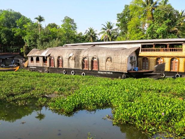 Kettuvallam o barco tradicional en Kerala