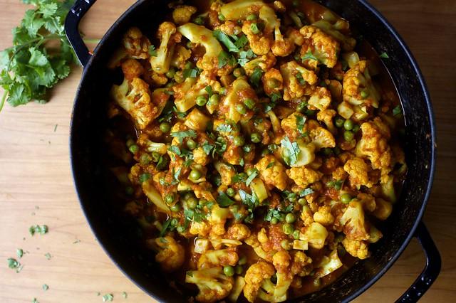 cauliflower and peas masala