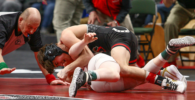 126 - Semifinal - Reid Ballantyne (Stillwater) 31-2 won by major decision over Bryce Dagel (Eden Prairie) 34-8 (MD 11-0) - 190302amk0053