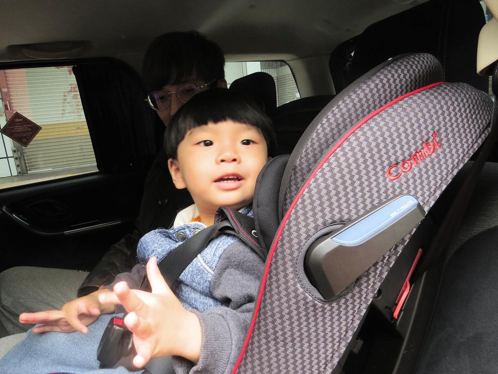 【育兒|生活】Uber 寶寶優步|小路程我們也不拿寶貝生命開玩笑!寶寶優步擁有 Combi 兒童安全座椅的 ...
