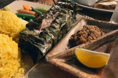 Banana leaf fish plate @ Kramer's, Palau