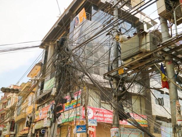 Tendido eléctrico en Nepal