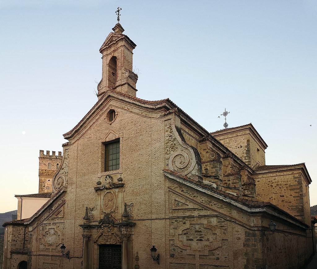 exterior Iglesia Nueva o de la Santa Trinidad Guadalupe Caceres 02