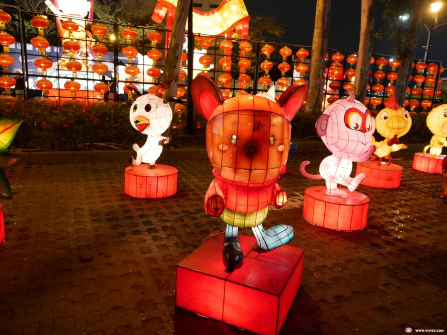 [桃園旅遊]2019桃園燈會(三民主燈區)|溪遊桃花源.魔法童話城~夢幻燈光照亮了黑夜 @VIVIYU小世界