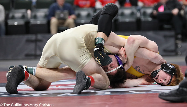 152AA 1st Place Match - Tim Stapleton (Waconia) 43-2 won by major decision over Dylan Fudge (Perham) 44-7 (MD 11-2) - 190302BMC4690
