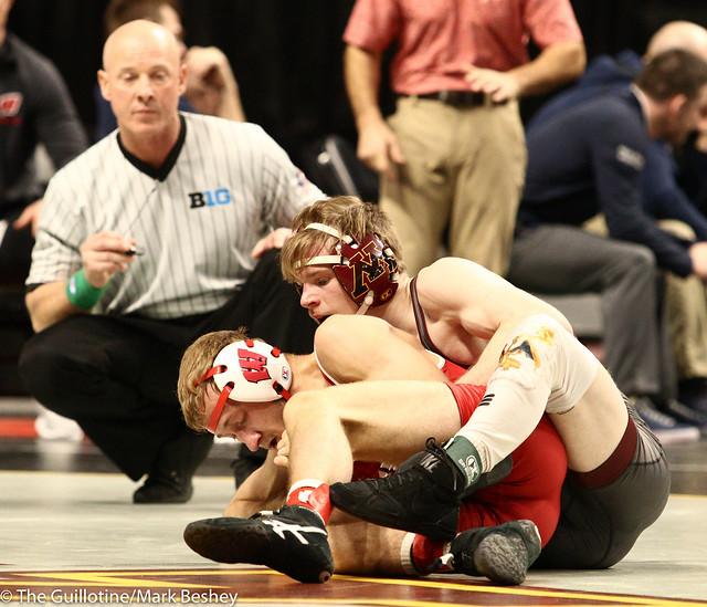 Champ. Round 1 - Ethan Lizak (Minnesota) 24-5 won by decision over Jens Lantz (Wisconsin) 13-5 (Dec 3-0) - 1903amk0041