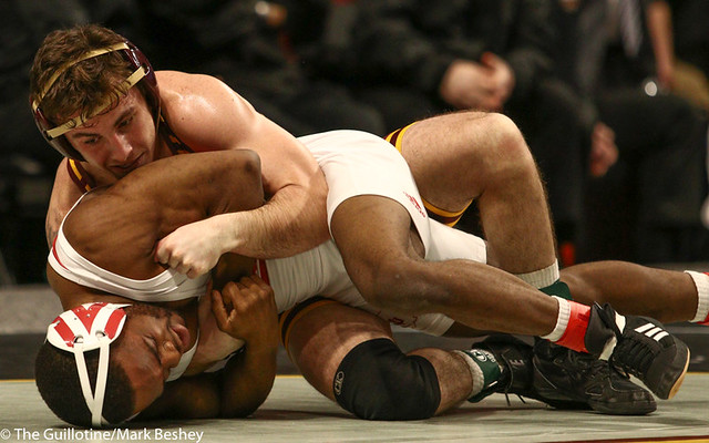 3rd Place Match - Sean Russell (Minnesota) 26-4 won by decision over Elijah Oliver (Indiana) 28-16 (Dec 6-0) - 190310dmk0004