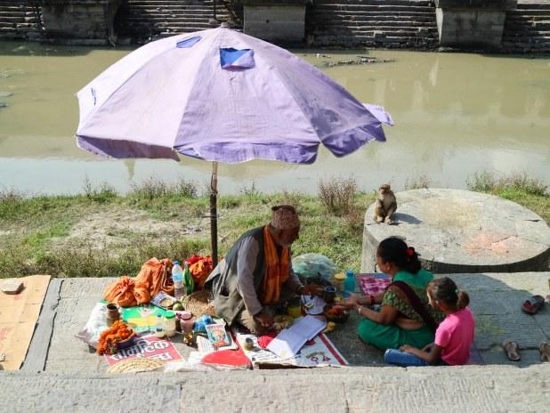 Adivino en el Bagmati