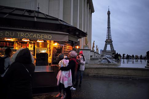 19a29 Trocadero Torre Eiffel_0003 variante Uti 485