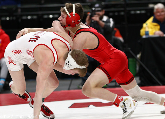 106AAA 1st Place Match - Pierson Manville (Shakopee) 53-2 won by fall over Jore Volk (Lakeville North) 39-4 (Fall 2:19) - 190302bmk0002