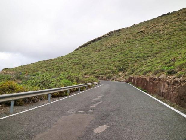 Carretera hacia el Cenobio de Valerón