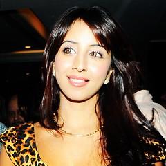 South Actress SANJJANAA Photos Set-7 (7)