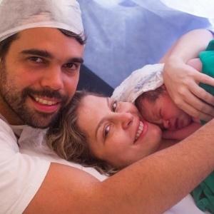 """Com seu bebê internado, Bárbara Borges desabafa: """"Vi a vida mudar meu rumo"""""""