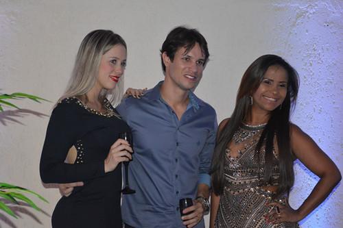 Aline e Thiago Salles com Michele
