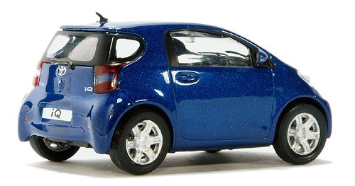 Cararama Toyota IQ (1)