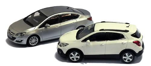 Minichamps Opel Astra & Mokka