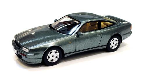 Spark Aston Martin