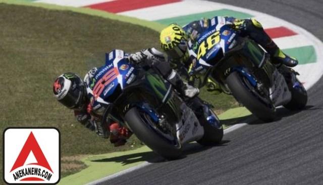 #Sports : Rossi Soroti Kelemahan Lorenzo di Trek Basah