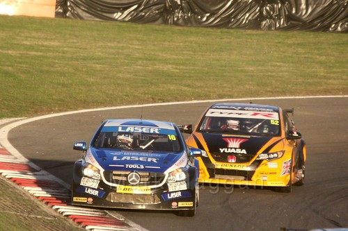 Aiden Moffat leads Gordon Shedden during the BTCC Brands Hatch Finale Weekend October 2016