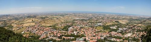 San Marino: Panoramasicht über die Adriaküste