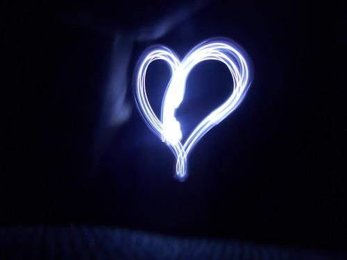 Heart. (Nanie Monteiro) light painting nikon heart led l810