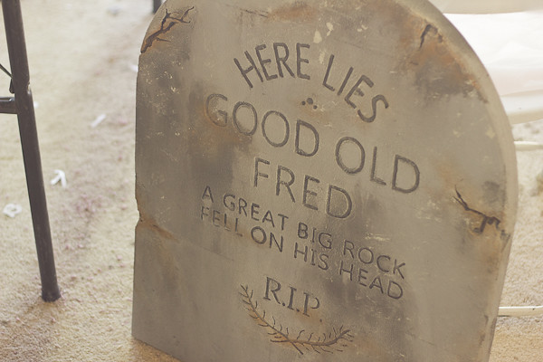Diy An Authentic Halloween Tombstone For Your Lawn