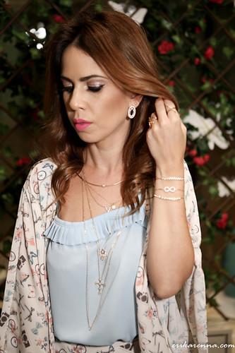 Bruna Esposito exibe as bijoux Morana e look Da Isadora