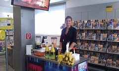 """Smoothie Catering beim ADAC • <a style=""""font-size:0.8em;"""" href=""""http://www.flickr.com/photos/69233503@N08/8446681793/"""" target=""""_blank"""">View on Flickr</a>"""