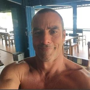 Paulo Zulu vai à delegacia do RJ buscar orientação sobre foto íntima vazada