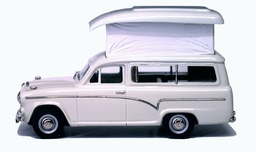 Lansdowne Austin 60 caravan (1)