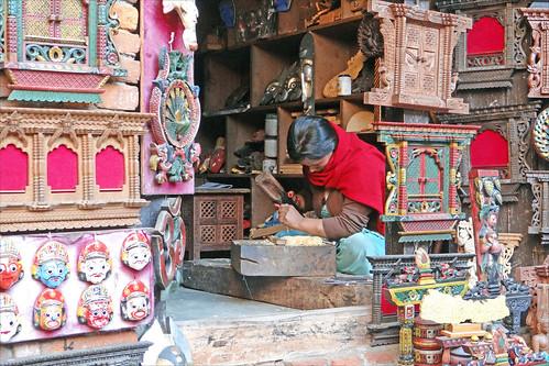 Artisan sculpteur sur bois (Changu Narayan)