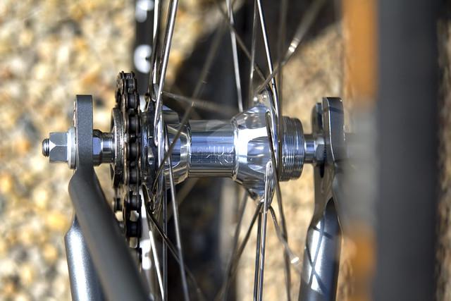 SPIKE PARTS-Track hubset