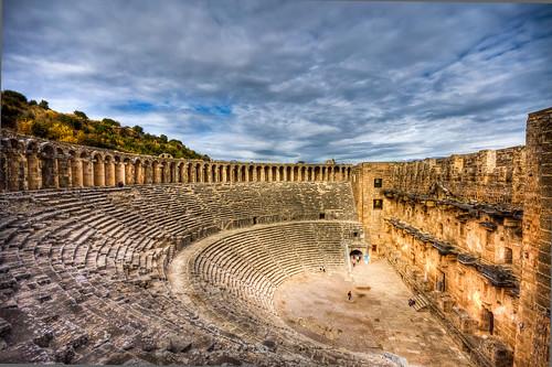 travel cloud history architecture turkey theatre roman ruin antalya archeology aspendos harabe bulut tiyatro turkei arkeoloji seyahat tarih mygearandme