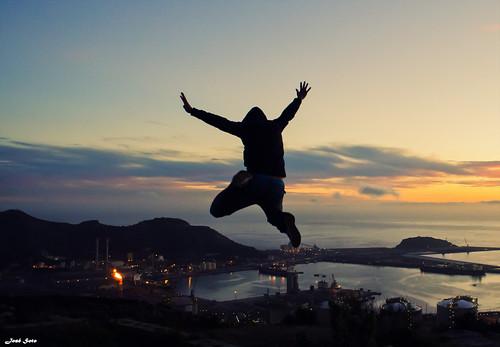 Jumping (Legi.) costa atardecer jumping nikon saltando 1855mm 1855 cartagena refinera d5100