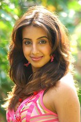 South Actress SANJJANAA Photos Set-11 (21)