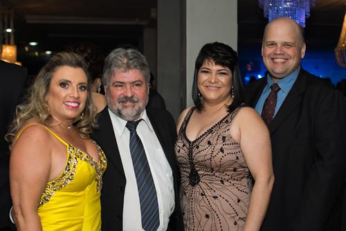 Marília Gama e Marco Antônio Gama, Shirley e Pedro Góes, gerente executivo de RH da Aperam