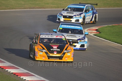 Gordon Shedden leads Jason Plato and Colin Turkington during the BTCC Brands Hatch Finale Weekend October 2016