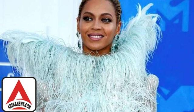#Style: Beyonce Pakai Perhiasan Rp172 Miliar di MTV Music Awards