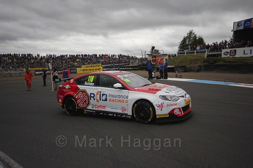 Ashley Sutton on the grid during the BTCC Knockhill Weekend 2016