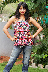 South Actress SANJJANAA Photos Set-7 (37)