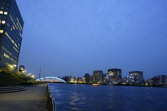 永代橋とスカイツリー