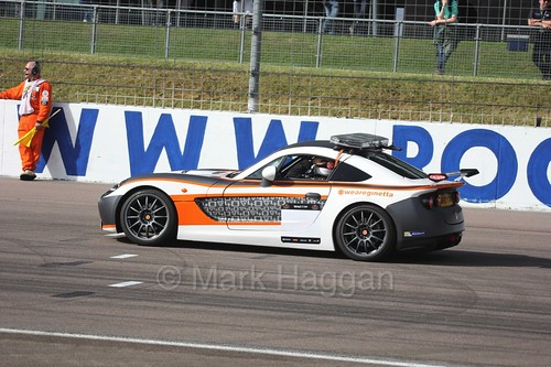 The Ginetta GT4 Supercup safety car at Rockingham, August 2016