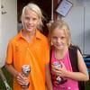 Tredjepristagarna i FD 08-12, Michaela och Ebba.