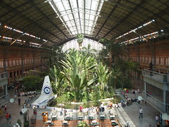2007 09 03 Madrid Atocha with Lost theme