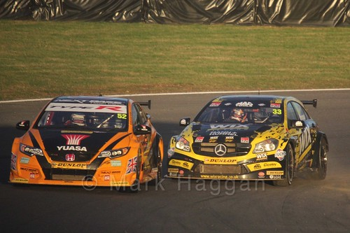 Gordon Shedden racing Adam Morgan during the BTCC Brands Hatch Finale Weekend October 2016